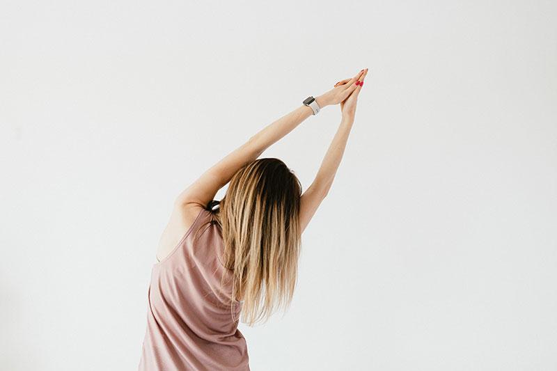 photo de femme en posture zen