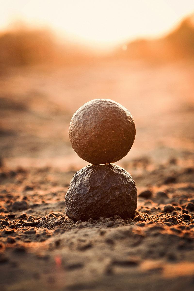 photo de pierres l'une sur l'autre